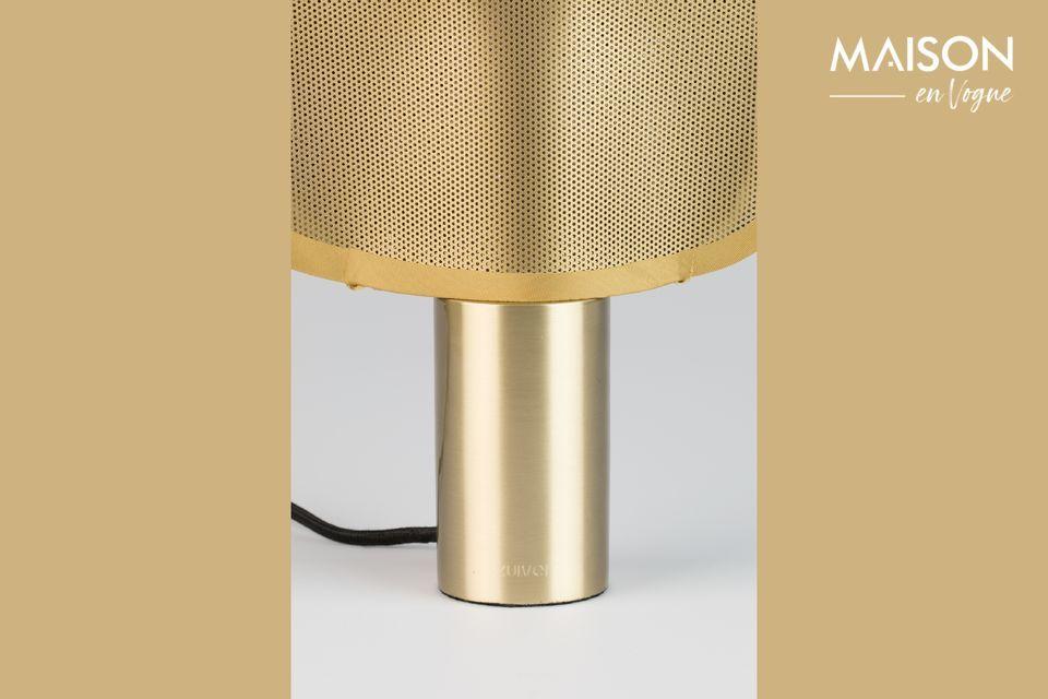 Con Mai, una pequeña lámpara de mesa escultural, es primavera todos los días en casa