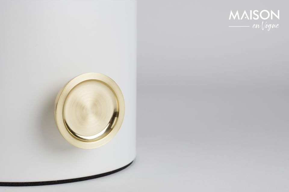Vidrio, metal, botón de oro