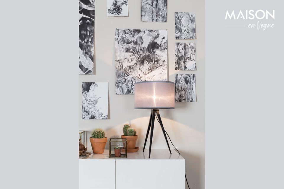 Una pequeña lámpara de mesa con encanto escandinavo