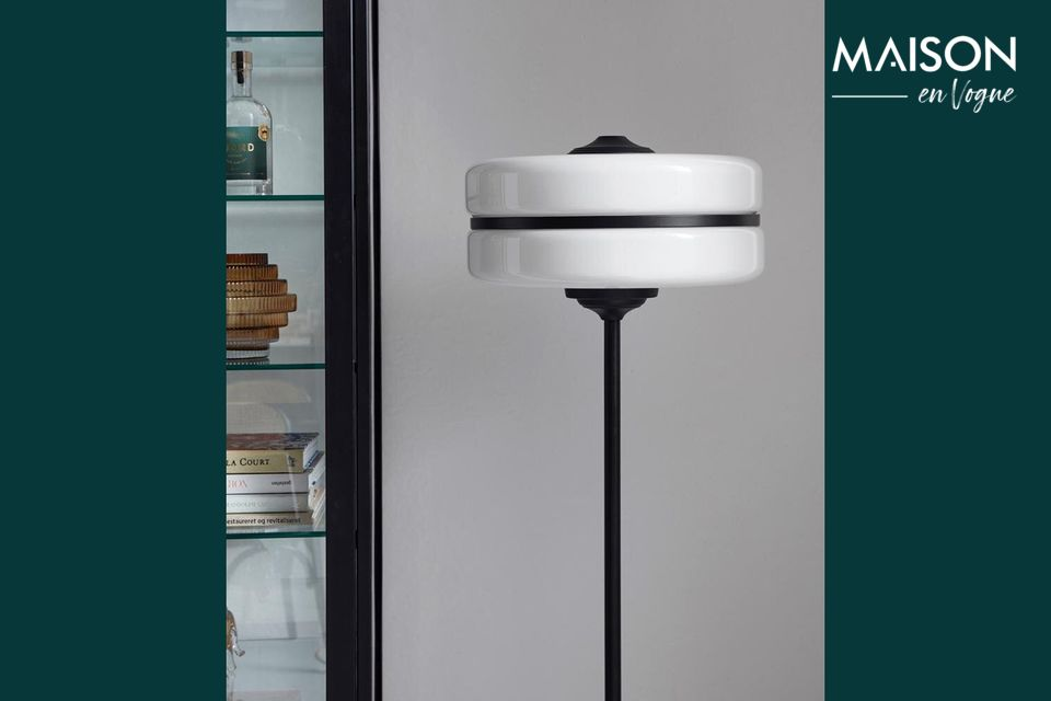 Una lámpara de piso que iluminará todos sus objetos
