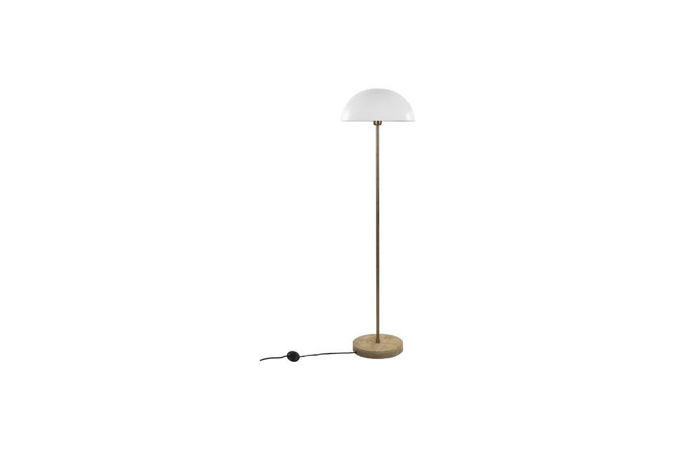 Una lámpara de pie con un diseño contemporáneo