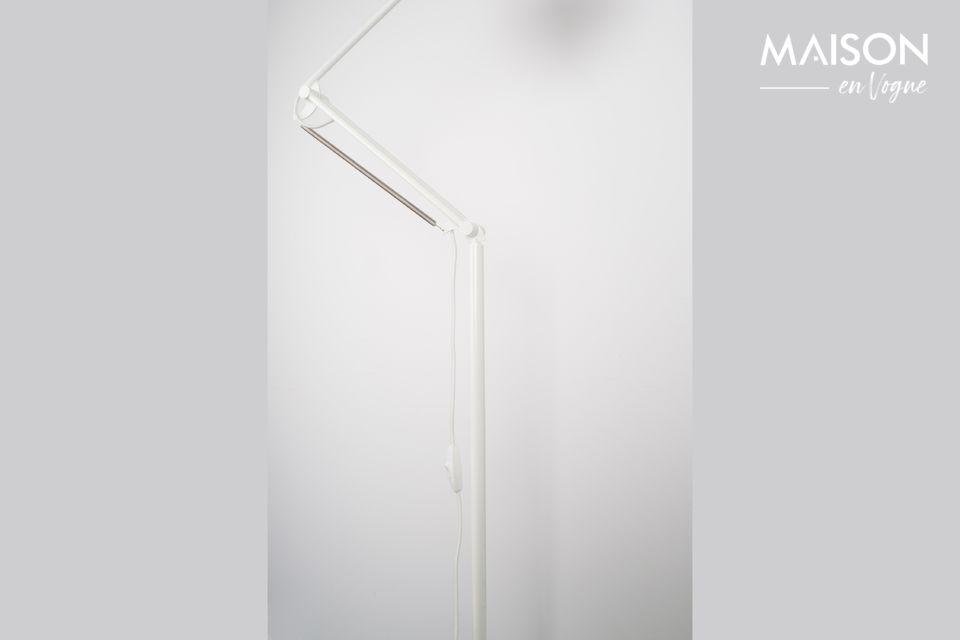El conjunto es delgado, picante y discreto, y facilita la elección de lo que se quiere iluminar