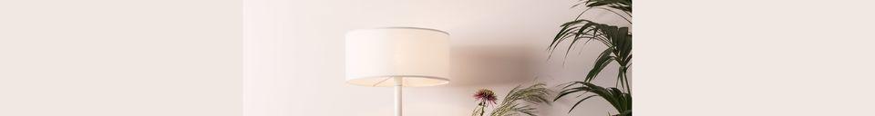 Descriptivo Materiales  Lámpara de piso Shelby blanco