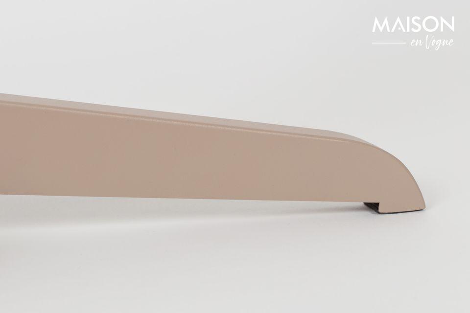 Al crear la lámpara de piso Shelby, la marca Zuiver le ofrece un verdadero objeto decorativo