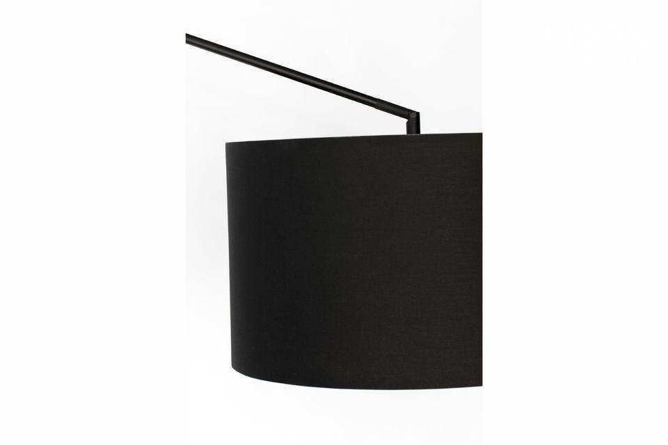 La pantalla de la lámpara de pie está hecha de 80% poliéster y 20% algodón