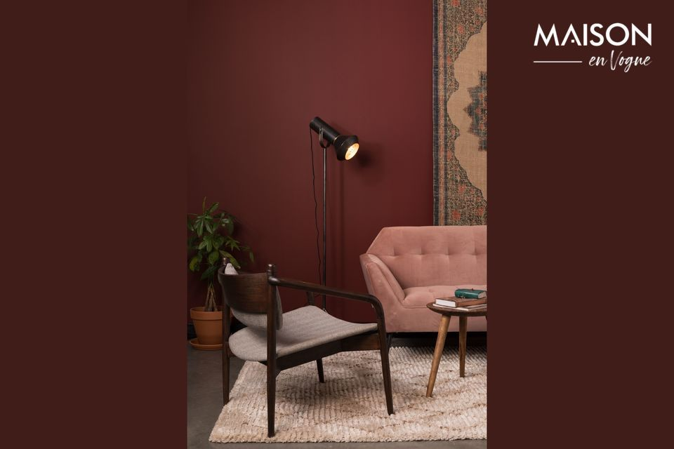 El interior pintado de oro le da un tono cálido que acentúa su aspecto vintage
