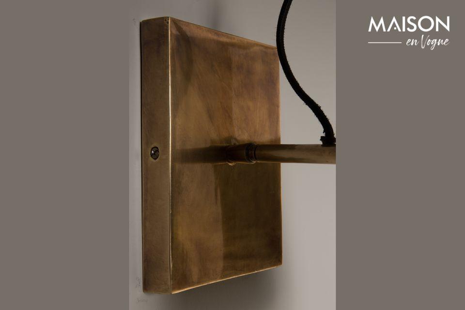 Elegante y vintage lámpara de pared