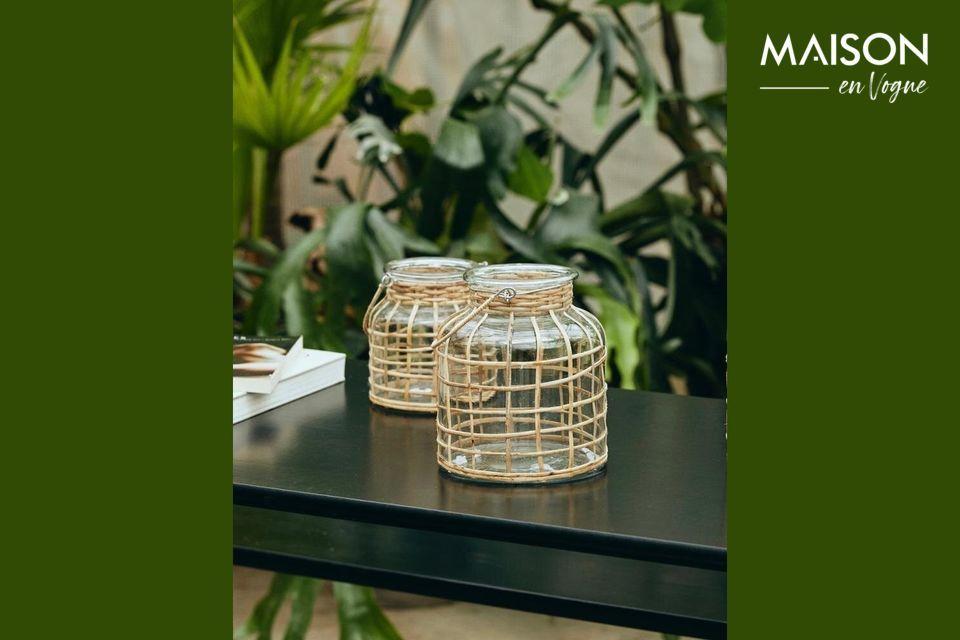 Diseñada en bambú y equipada con un inserto de vidrio