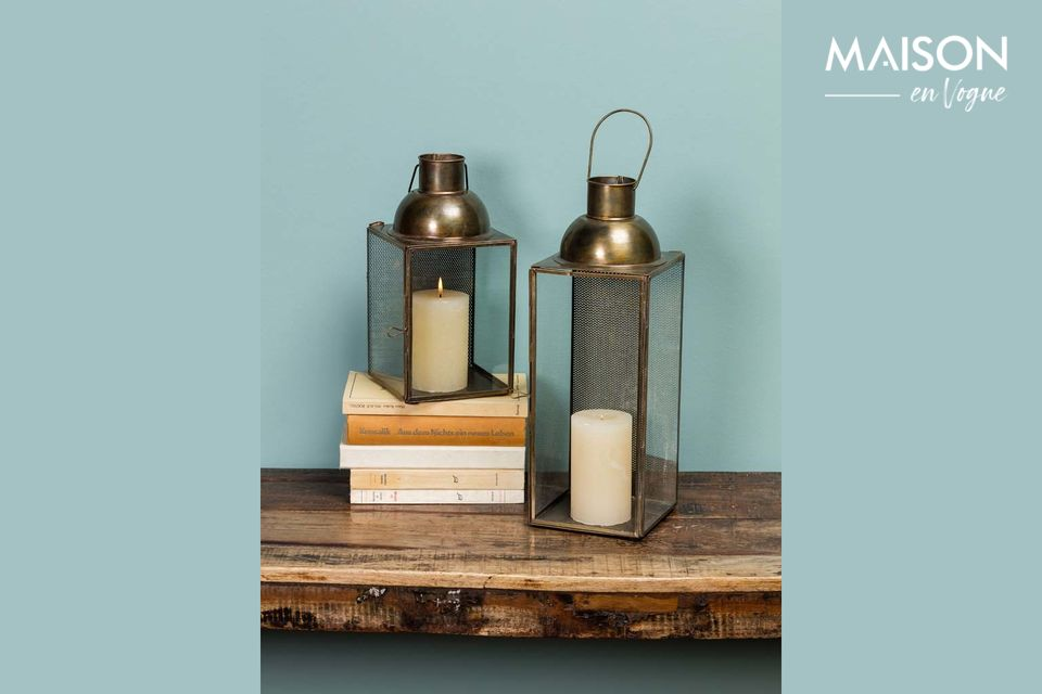 Una linterna colgante con un diseño vintage y cálido