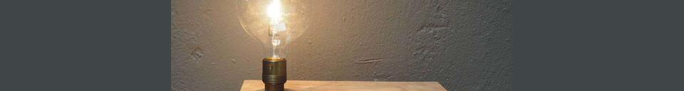 Descriptivo Materiales  Luz de pared y estante de madera Arsy