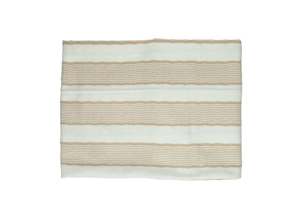 Este mantel de algodón 100% tiene 33 cm de largo y 26 cm de ancho