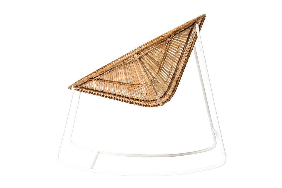 Opte por el estilo nórdico con la mecedora Orinoco de la marca danesa de muebles Bloomingville
