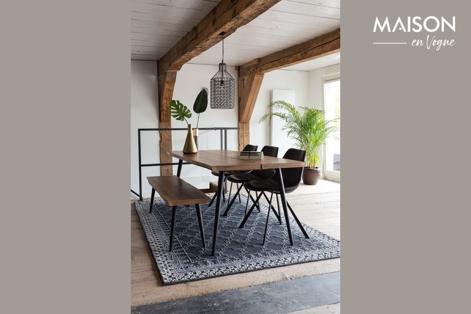 Una mesa elegantemente diseñada con una estructura robusta