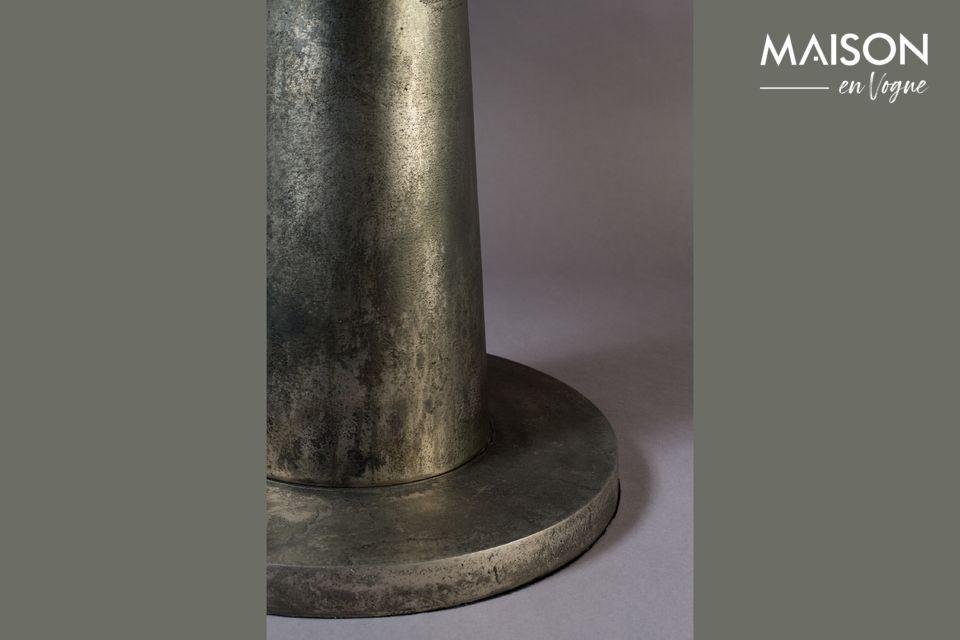 Descubra el saber hacer y la inspiración creativa de Dutchbone en este modelo de mesa auxiliar con