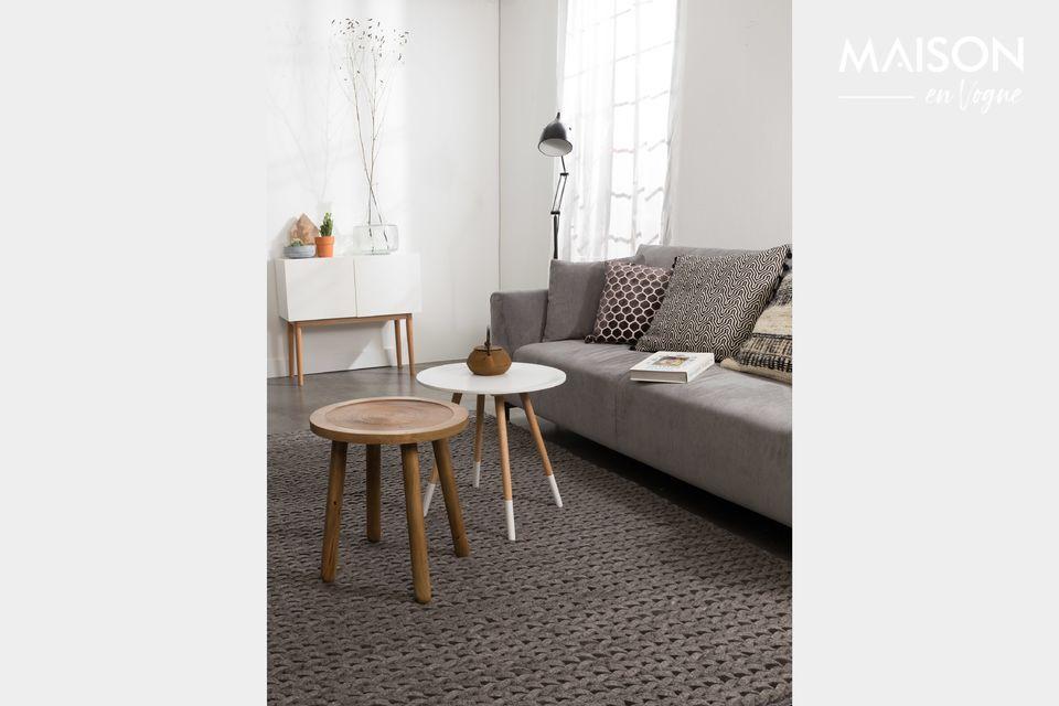 Esta madera de color claro embellecerá su sala de estar con un toque de exotismo