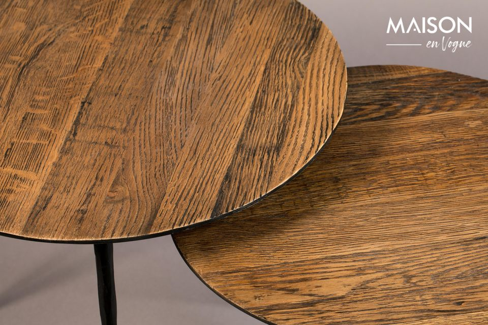 Resistente, esta madera le da un cálido efecto de pátina, como los muebles antiguos