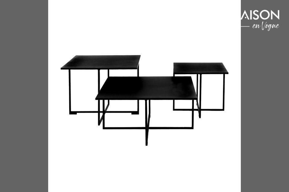 Mesa de café cuadrada de metal negro.