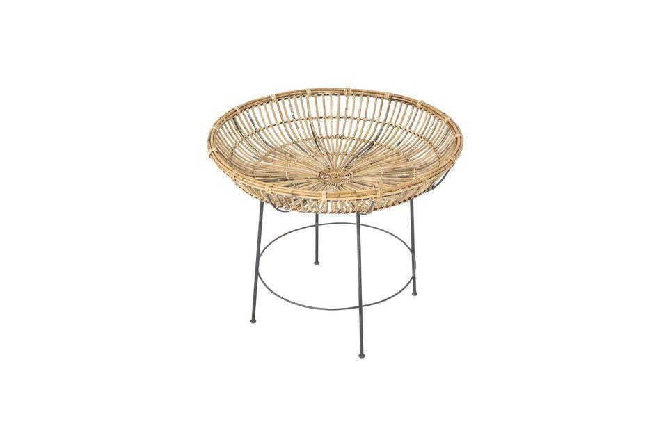 Con la mesa de café de Vanessa, la casa danesa Bloomingville expresa toda su creatividad y universo