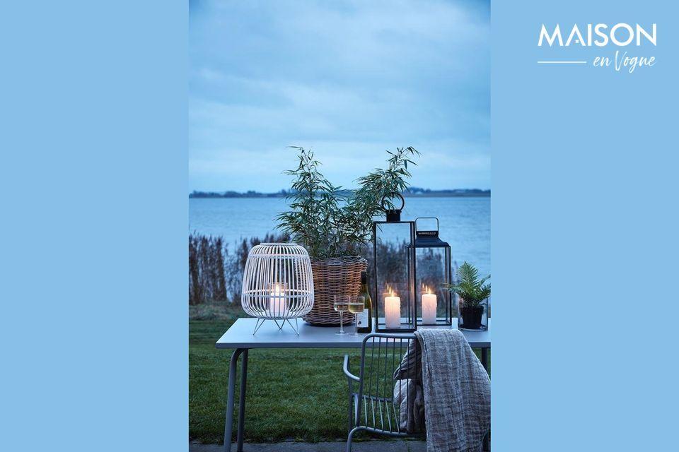 Este color neutro le permitirá combinar fácilmente con todas las atmósferas de jardín