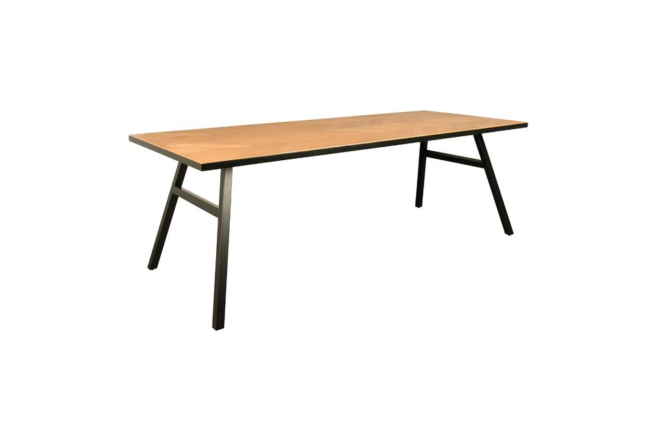 Sin embargo, está disponible en 180 x 90 para espacios más pequeños