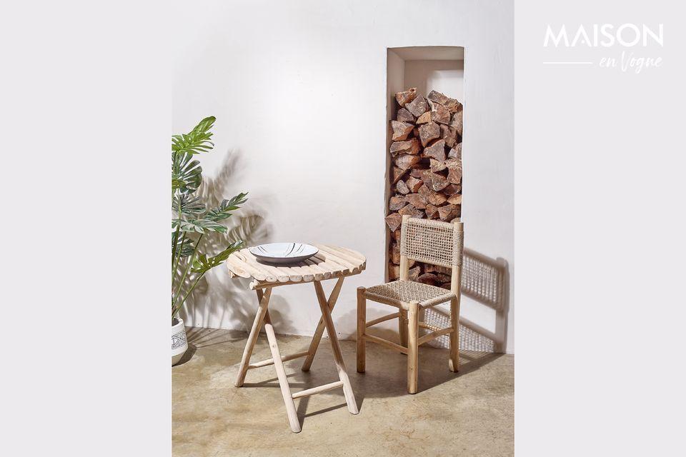 Mesa redonda en madera natural