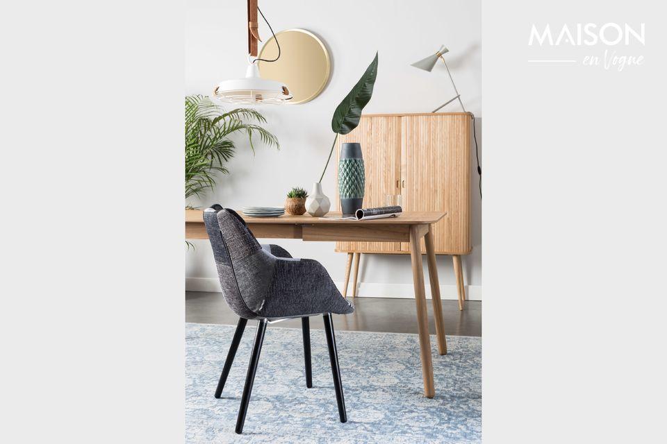 Una mesa natural, sólida y extensible