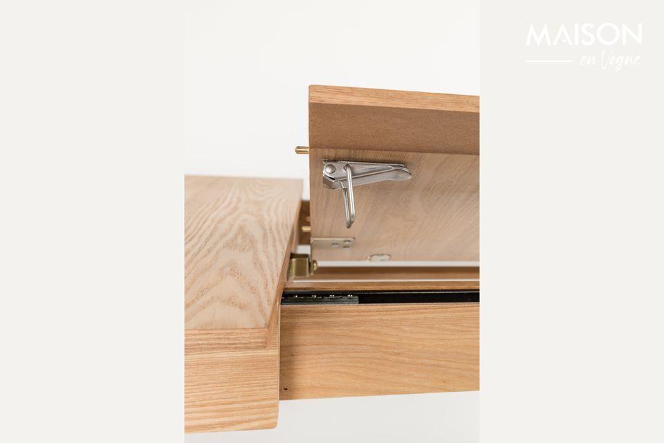 La mesa puede ajustarse en longitud desde 120 x 80 cm hasta 162 x 80 cm