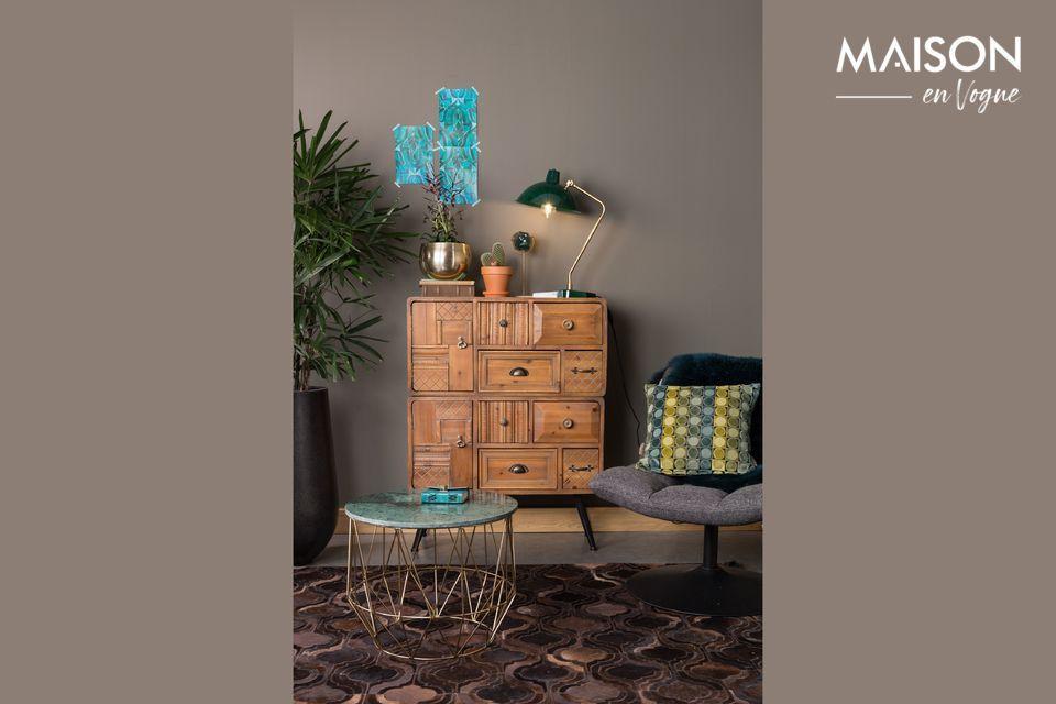 Esta mesa ocasional ilumina la habitación con su refinado diseño