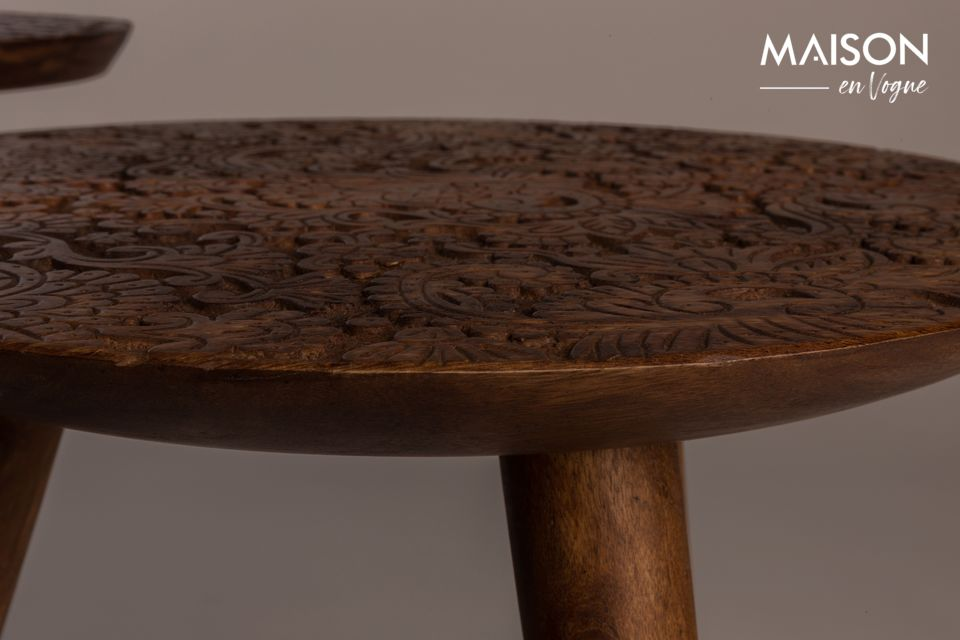 Esta mesa auxiliar es una verdadera obra de arte que causará sensación en su sala de estar