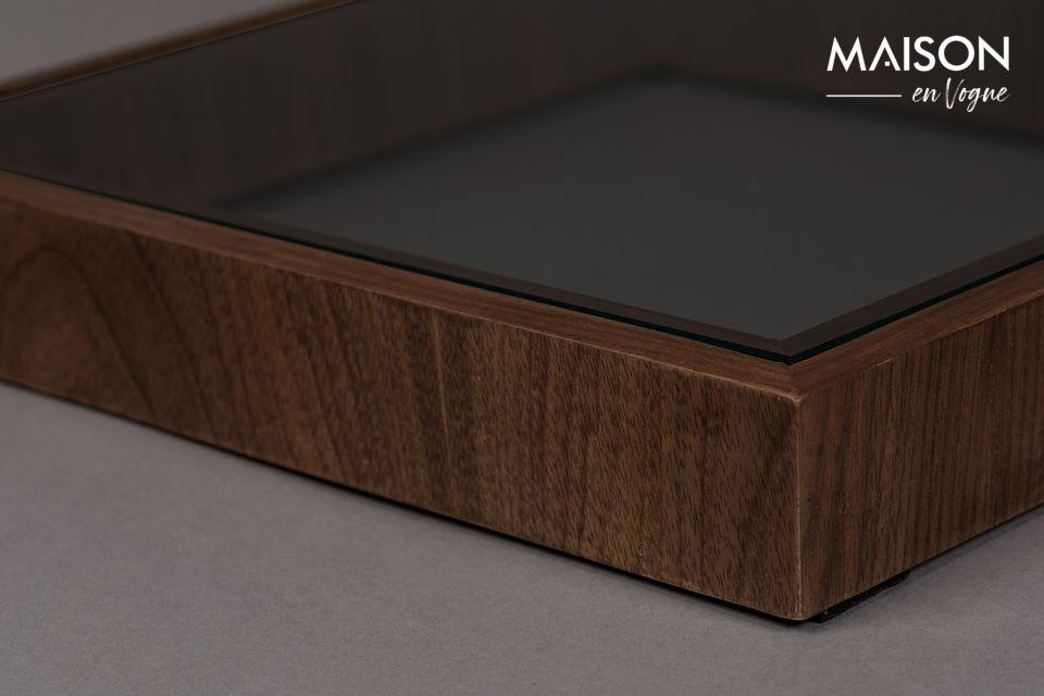 La mesa auxiliar Glavo nunca pasa desapercibida, con su diseño en forma de S