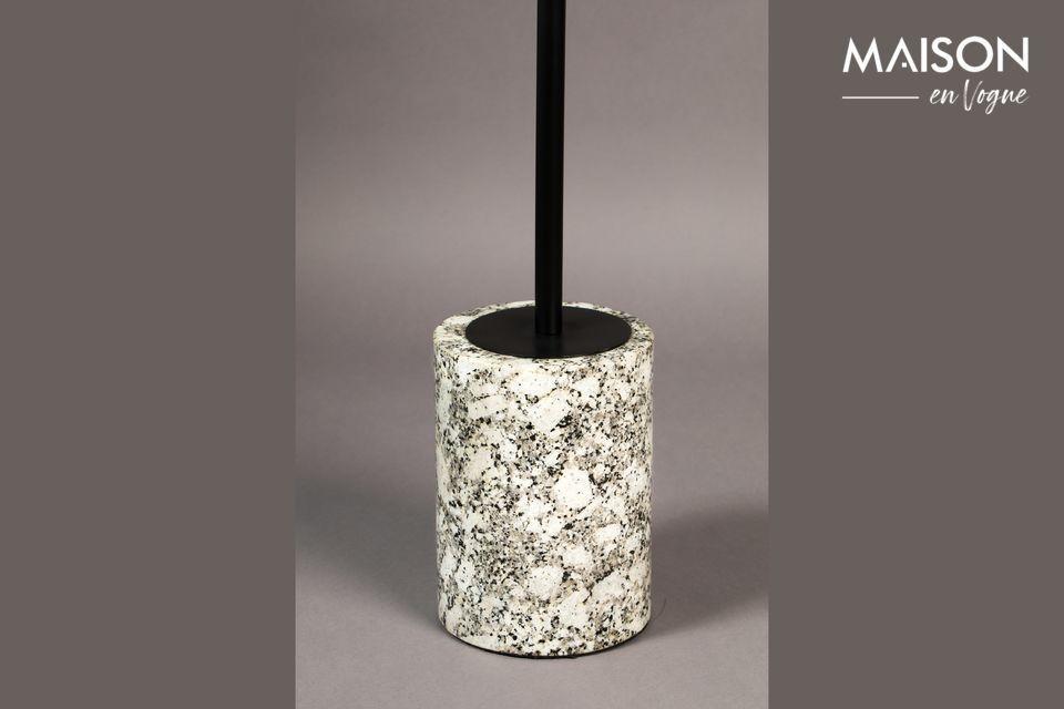 Tiene una tapa de mármol blanco con un diámetro de 31,50 cm