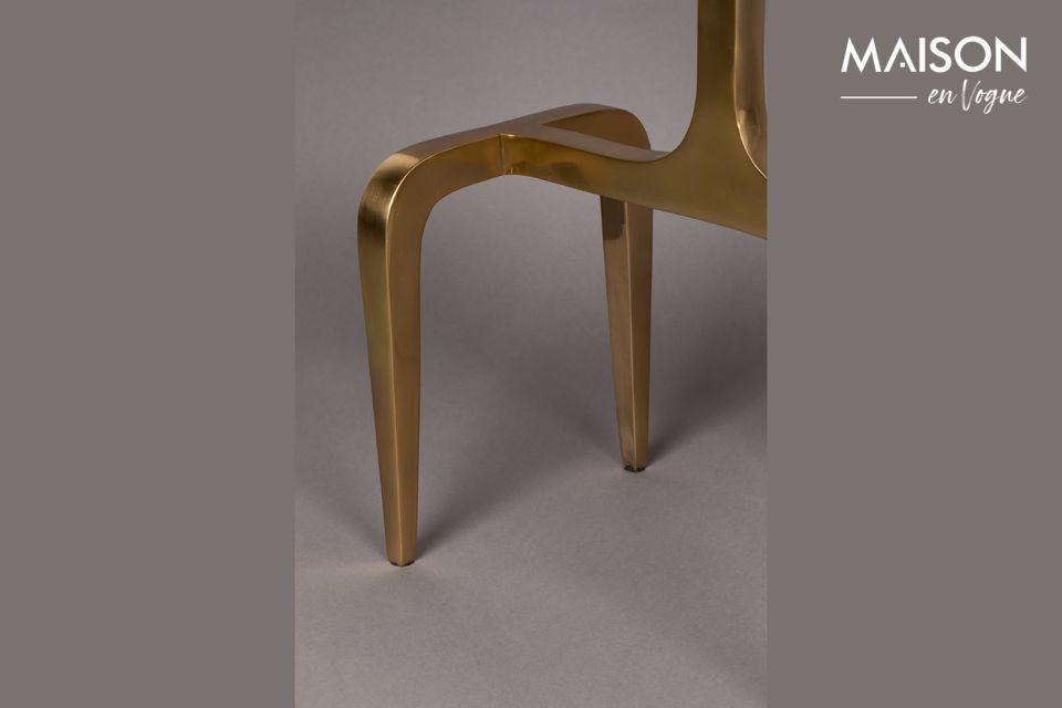 La mesa lateral Hips está hecha de aluminio lacado cubierto de un increíble tono dorado