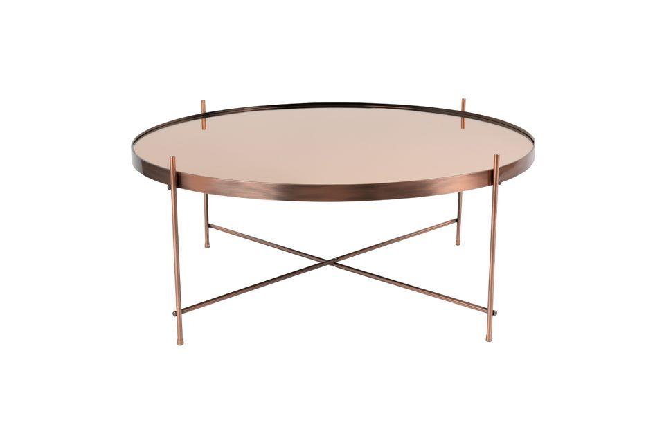 Su parte superior de 82,50 cm es ideal para colocar objetos decorativos u otros artículos