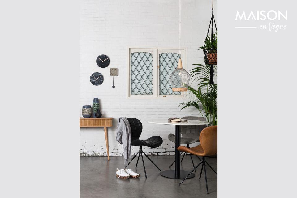 Es una mesa de 90 centímetros de mármol blanco natural y mármol brillante que ofrece la mesa de