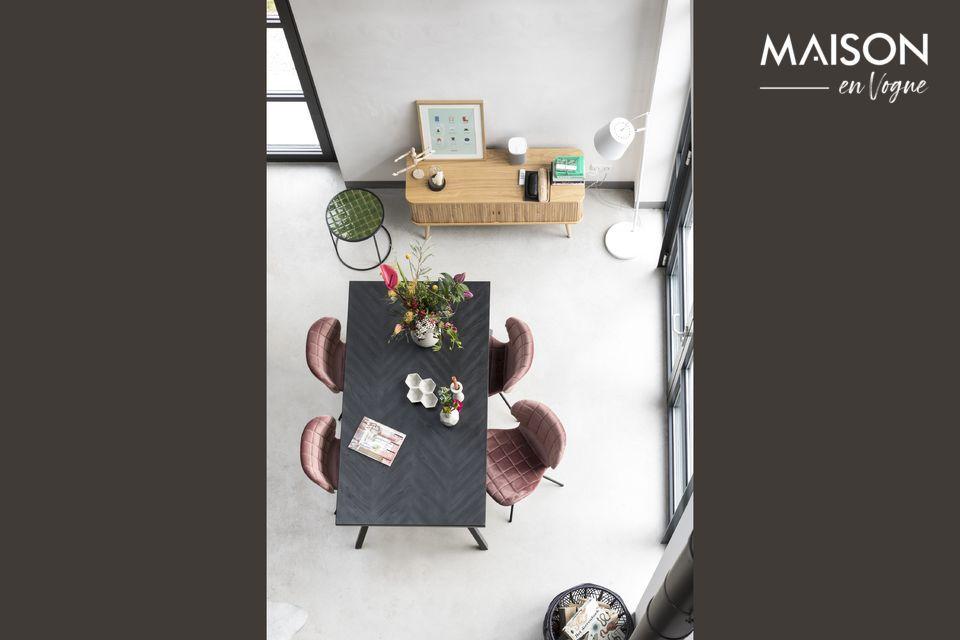 La mesa Seth 220 x 90 Black propuesta por Zuiver es un modelo elegante de líneas sobrias y