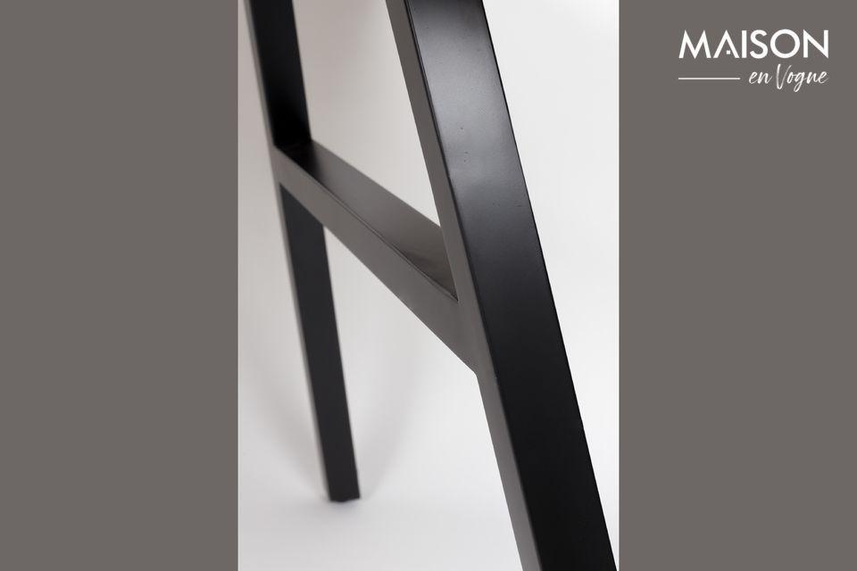 Esta mesa encontrará fácilmente su lugar en la cocina o el comedor