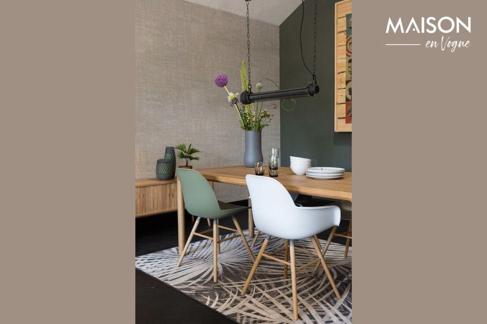 Una mesa sólida y elegante con acabados naturales