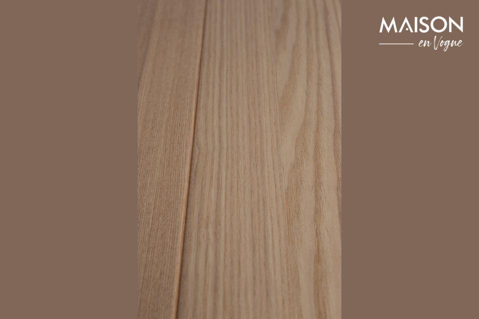 Su estilo conserva la elegancia natural de la madera