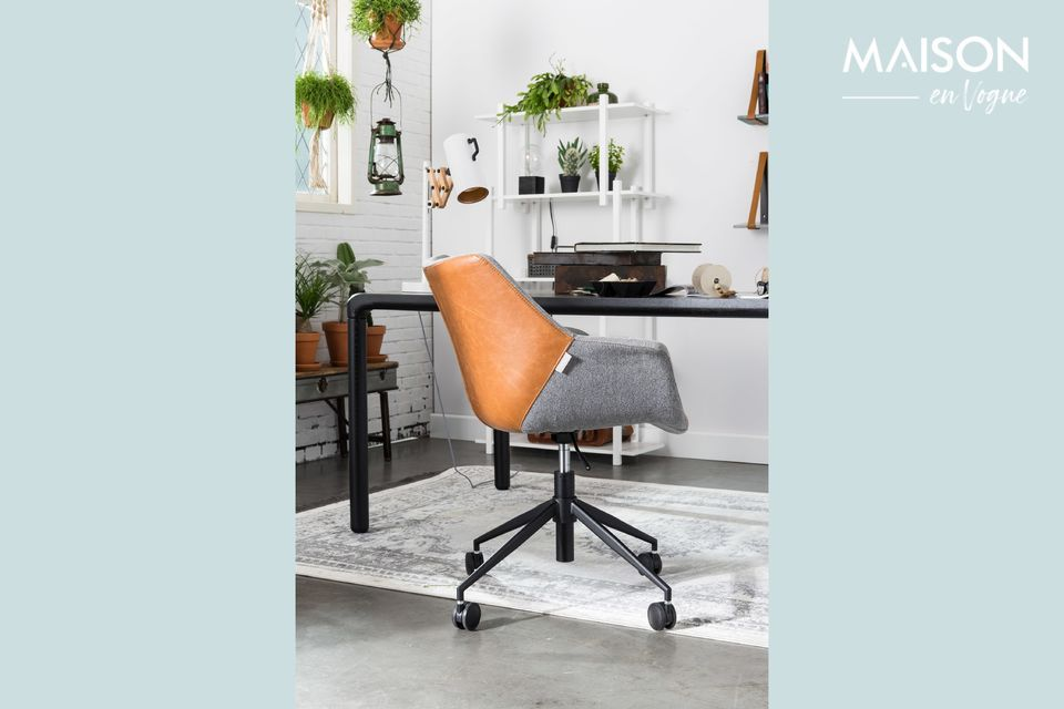 La mesa Storm 222x90 Black de Zuiver es un elegante mueble que combina líneas limpias y estilo