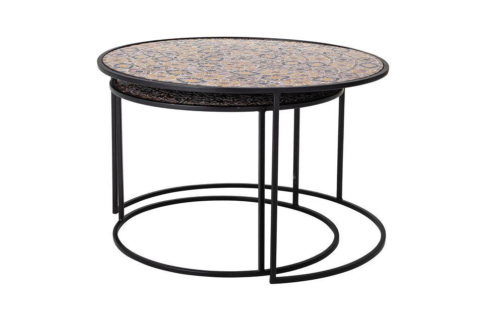 Estas dos mesas laterales