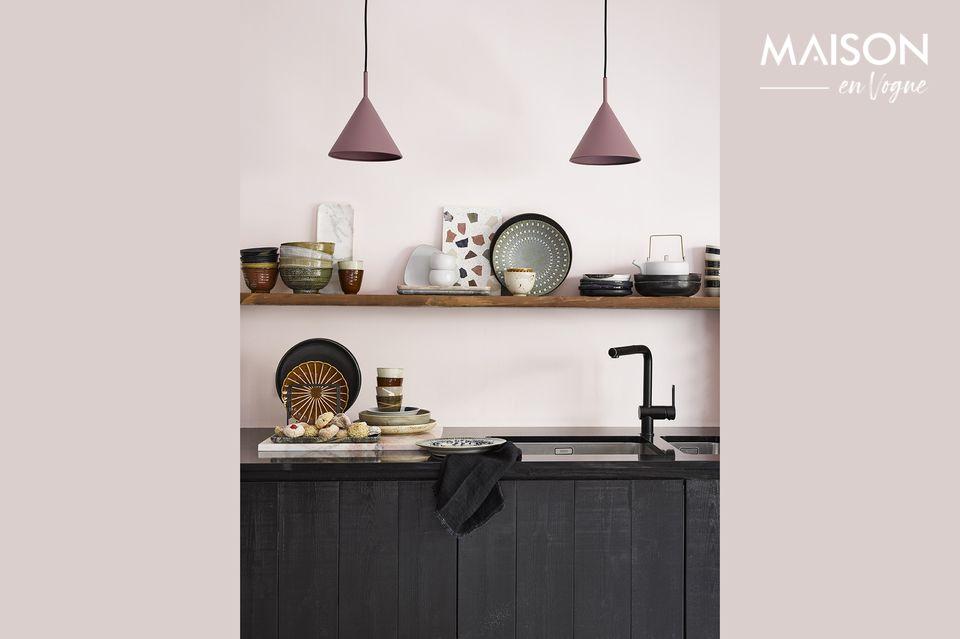 Resistente al agua, este accesorio hecho a mano traerá un estilo refinado a su cocina