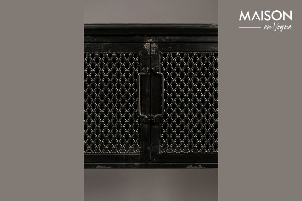 Este elegante aparador tiene un diseño realmente original que se verá muy bien en una sala de