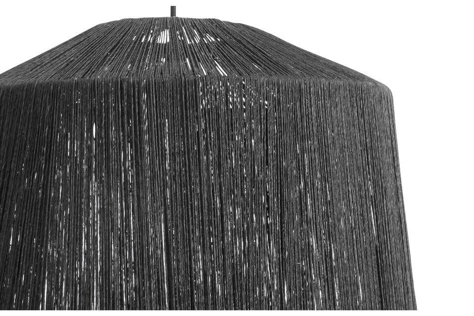 Una pantalla de fibra de yute negra para ser suspendida