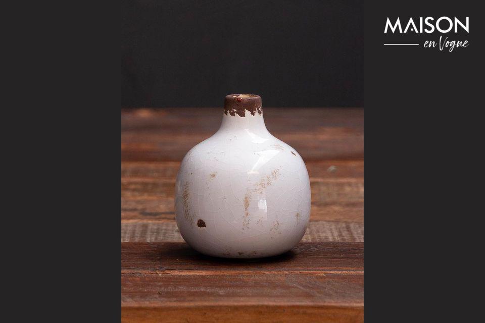Este pequeño jarrón encontrará su lugar en cualquier mueble