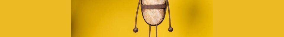 Descriptivo Materiales  Personaje Odeón de madera y metal