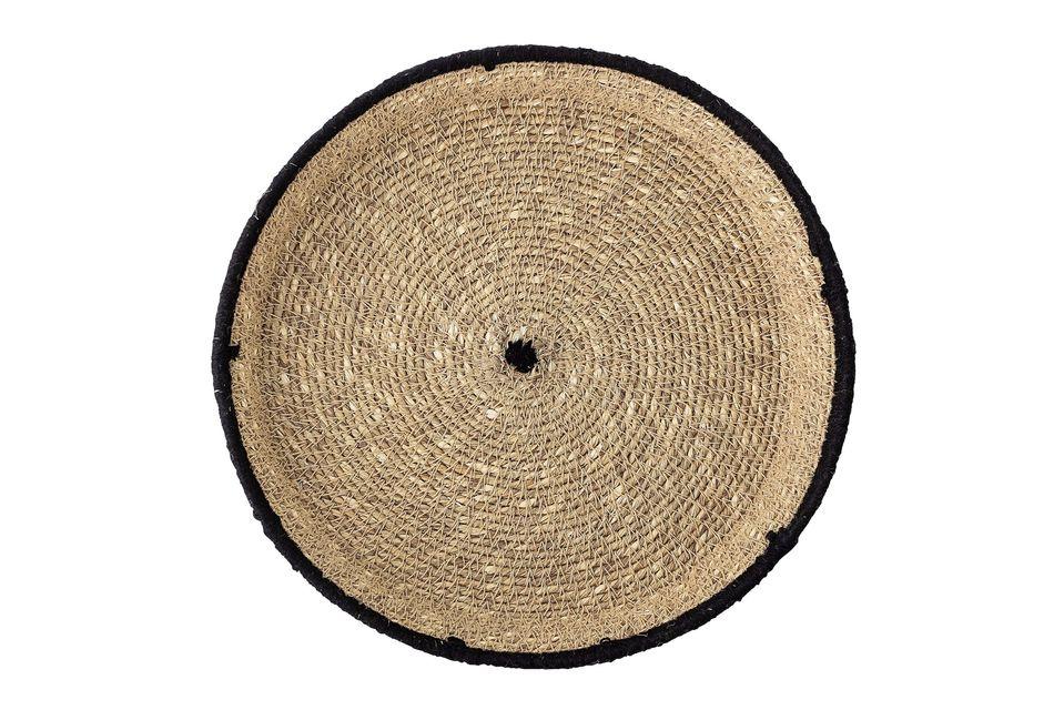 Trenzada en el mar, la bandeja de las Poudenas es una creación elegante y natural