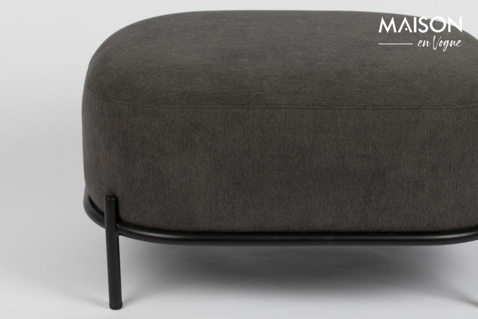 White Label Living ofrece un gran taburete de 36 cm de altura, sobrio pero muy elegante