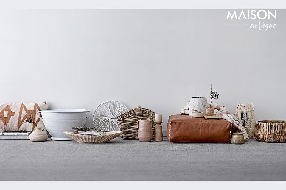 Con su diseño auténtico y llamativo, se verá muy bien en una consola, mesa o cómoda