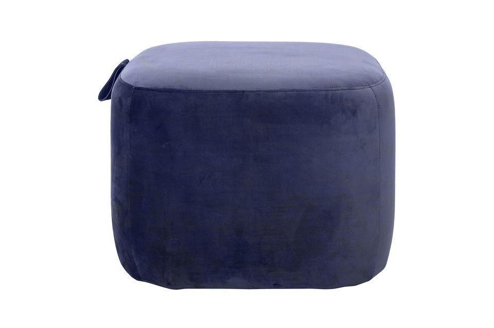 Este puf azul de poliéster será el toque final de la decoración de su sala de estar