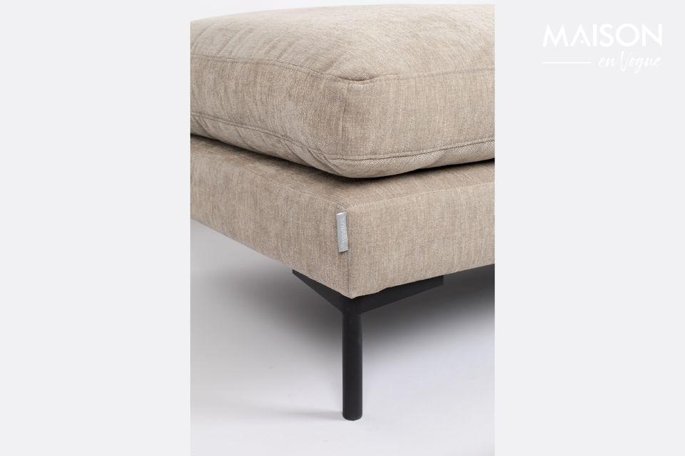 Puede ser usado como un asiento extra e incluso como soporte para una bandeja de comedor